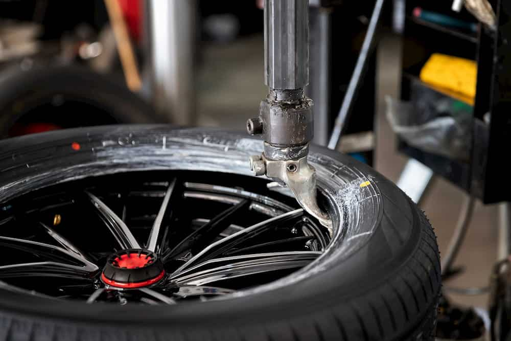 automatic tyre removal